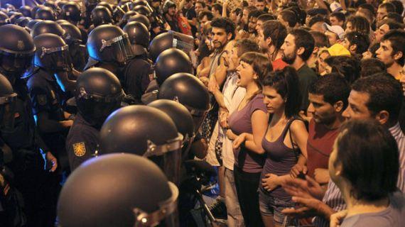 sol-indignados-15-m-papa_cuaima20110803_0092_3